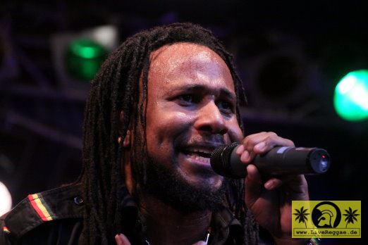 Aaron Silk (Jam) with Lloyd Praks We The People Band 19. Reggae Jam Festival - Bersenbrueck 03. August 2013 (16).JPG
