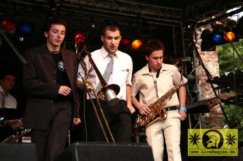 Bibi Ribozo and The Banditos 12. This Is Ska Festival - Wasserburg, Rosslau 28. Juni 2008 (1).JPG