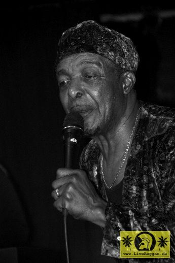 Charley Organaire (Jam) and The Prizefighters - Skankin Round The X-Mas Tree - Kassablanca, Jena 26. Dezember 2014 (15).JPG