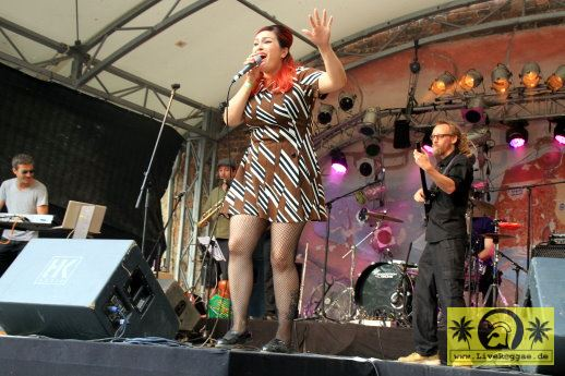 Jackie Mendez (USA) with The Magic Touch 20. This Is Ska Festival - Wasserburg, Rosslau 25. Juni 2016 (6).JPG