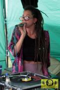 Nadia Eva (Conscious Culture) with Mr. Tom - Roots Plaque Dub Camp - 23. Reggae Jam Festival - Bersenbrueck 30. Juli 2017 (30).JPG